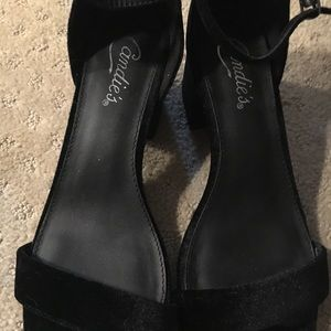 Black satin chunky heel sandals 7.5